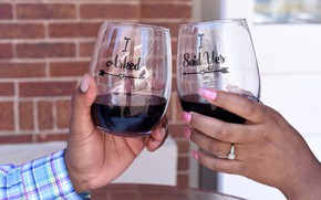 Picture wine, hands, glasses, manicure