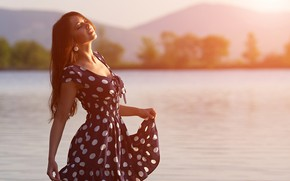 Picture summer, look, girl, the sun, pose, river, dress, bokeh