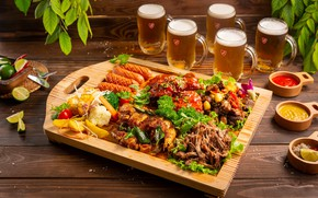 Picture sausage, beer, meat, vegetables, sauce, potatoes, cuts