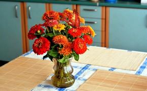 Picture bouquet, vase, zinnias