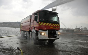 Picture water, overcast, shore, truck, Renault, hose, four-axle, Renault Trucks, fire equipment