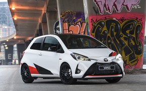 Picture white, Toyota, Yaris