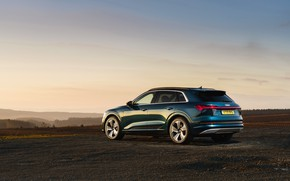 Picture the sky, Audi, side, E-Tron, 2019, UK version