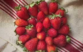 Picture berries, towel, strawberry