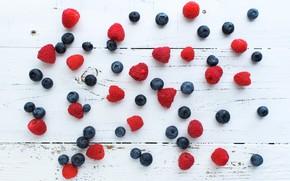 Picture berries, raspberry, blueberries, wood