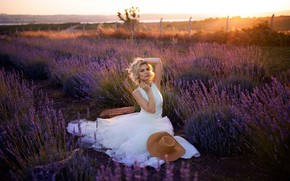 Picture field, the sun, sunset, pose, model, portrait, hat, makeup, dress, hairstyle, blonde, beauty, sitting, in …