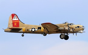 Picture bomber, four-engine, heavy, metal, Boeing B-17G