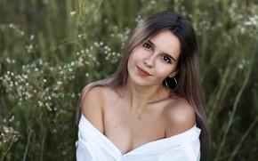 Picture look, girl, nature, brunette, grass, shoulders, Евгения Брусенцова