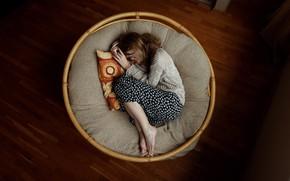 Picture girl, sleep, Aleks Five