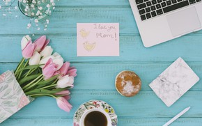 Picture bouquet, tulips, laptop, congratulations, mother's day