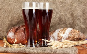 Picture spikelets, glasses, bread, brew