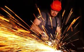 Picture sparks, male, helmet, grinding, рвбочий, обработка металла