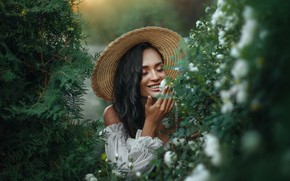 Picture girl, face, smile, mood, roses, hat, makeup, brunette, closed eyes, Lera Of Vasiljeva