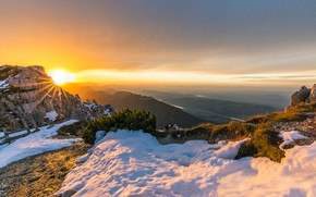 Picture the sky, the sun, rays, snow, mountains, stones, panorama, the bushes, hill