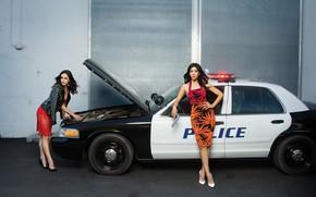Picture auto, girls, police, dress, Stephanie Beatriz, Melissa Fumero, Brooklyn Nine Nine