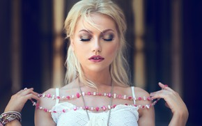 Picture decoration, pose, background, model, portrait, hands, makeup, hairstyle, blonde, beads, beauty, in white, bokeh, he …