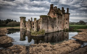 Picture castle, ruins, Scotland, Caerlaverock Castle