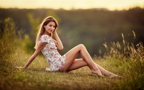 Picture field, look, the sun, nature, sexy, pose, smile, model, portrait, makeup, figure, dress, hairstyle, brown ...