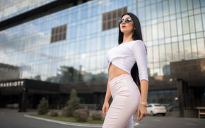 Picture sexy, background, model, the building, portrait, jeans, makeup, Mike, figure, brunette, glasses, hairstyle, beauty, is, …