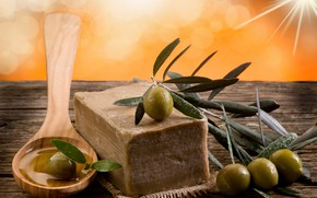 Picture leaves, soap, spoon, olives