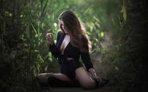 Picture green, girl, grass, cleavage, shorts, blouse, long hair, legs, brown hair, breast, photo, photographer, leaves, …