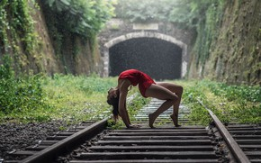 Picture girl, rain, rails, sleepers, gymnast, Momo Power