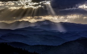 Picture light, mountains, night
