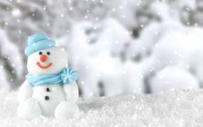Picture winter, forest, snow, smile, holiday, blue, toy, blur, Christmas, New year, snowman, hat, sitting, scarf, …