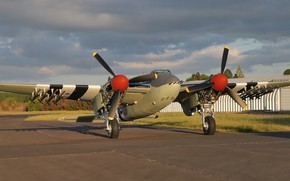 Picture Screw, Parking, RAF, The Second World War, Night fighter, Chassis, Mosquito, de Havilland Aircraft Company, …