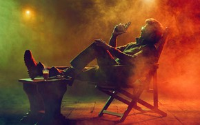 Picture smoke, male, sitting