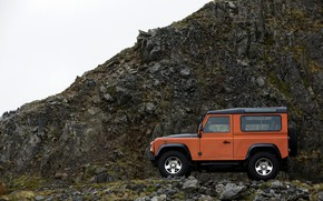 Picture Land Rover, 2009, Defender, Limited Edition, at the rock