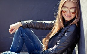 Picture girl, the sun, pose, smile, hair, glasses, jacket, beautiful