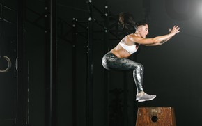 Picture jump, brunette, fitness