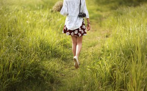 Picture girl, flowers, feet, trail, the camera