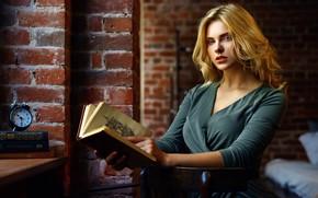 Wallpaper look, pose, wall, model, watch, bed, portrait, brick, makeup, dress, alarm clock, hairstyle, blonde, book, ...