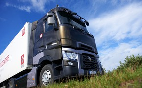 Picture the sky, grass, truck, Renault, cabin, tractor, 4x2, the trailer, Renault Trucks, T-series