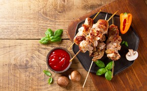 Picture greens, mushrooms, meat, sauce, kebabs