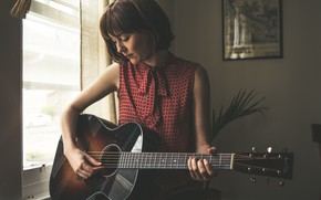 Picture guitar, American singer in country style, Molly Tuttle, bluegrass, Molly Rose Tuttle, country folk