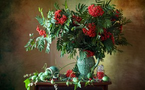 Picture branches, berries, fruit, mug, Bank, pitcher, still life, Rowan, bunches, Мила Миронова, эхиноцистис, колючеплодник