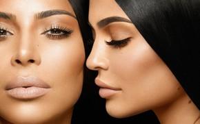 Picture sisters, Kim Kardashian, Kylie Jenner