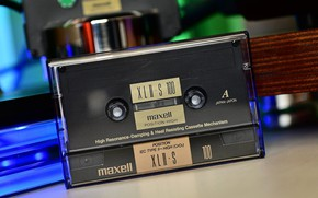 Picture cassette, MAXELL, type II, Chrome tape, XLII-S