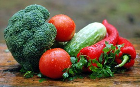 Picture tomatoes, parsley, hot pepper, broccoli, drops