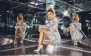 Picture look, girl, pose, style, reflection, model, figure, dress, legs, beauty, mirror, Hailey Baldwin
