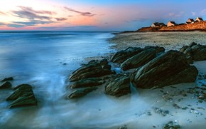 Picture sea, beach, the sky, clouds, light, pebbles, stones, shore, home, morning, surf, houses, boulders, stones
