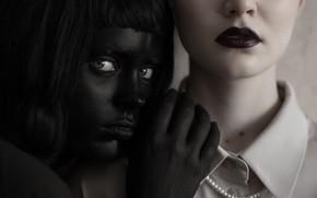 Picture makeup, sponge, two girls, makeup, Veronica Advocata, Masha Khripunkov, Renat Renee-Ell