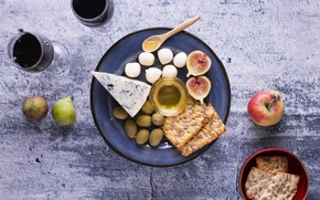 Picture wine, apples, cheese, honey, olives, Dor blue, figs, Cheese, mozzarella, bread, cheese, Dorblu