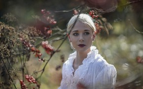 Picture look, leaves, girl, branches, nature, face, woman, portrait, blur, blonde, white clothes, interesting face