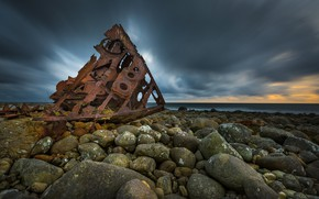 Picture sea, stones, coast, boats, horizon, the skeleton, iron, rust, old