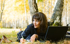 Picture autumn, leaves, girl, trees, nature, smile, Park, makeup, hairstyle, handle, costume, shoes, lies, laptop, brown …