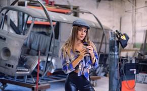 Picture pose, Girl, mug, cap, shirt, legs, Vyacheslav Ivakhnenko, Yulia Fedoseeva